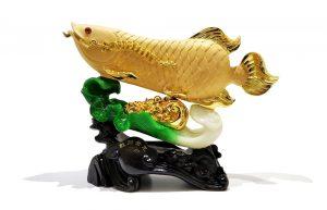 รูปปั้นปลามังกรทอง